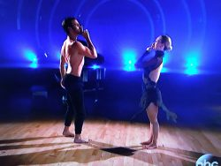 Nyle-DiMarco-DWTS-2-250x188.jpg