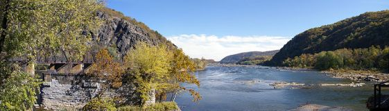 800px-HarpersFerryRiverPanoramic.jpg
