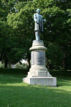 frederick-douglass-statue.jpg